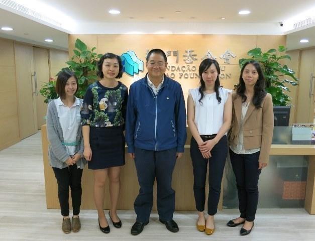 會員大會主席陳思恆、理事長陳詠芝、理事余諾汶、林潔瀛(2015年4月)